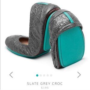 Tieks Slate Grey Croc Patent Leather Flats 7 EUC